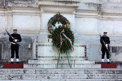Guardia di onore all'altare della patria a Roma, Italia Fotografie Stock