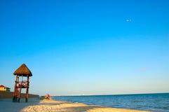 Guardia di vita Tower sulla spiaggia Immagine Stock