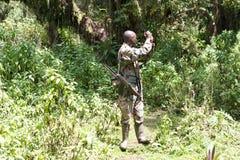 Guardia forestale di sosta alla sosta nazionale dei vulcani Fotografia Stock Libera da Diritti