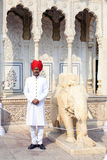 Guardia nel palazzo della città di Jaipur, Ragiastan Fotografia Stock