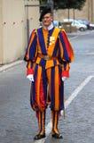 Guardia suizo en la Ciudad del Vaticano Fotos de archivo libres de regalías