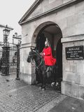 Guardia tradicional en el caballo fotos de archivo