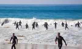 Guardias de vida de California del Laguna Beach en el entrenamiento Fotos de archivo libres de regalías