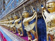Guardie del tempio nel grande palazzo a Bangkok Immagini Stock Libere da Diritti