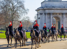 Guardie di cavallo a Londra a cavallo Fotografie Stock