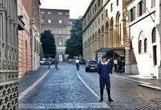 Guardie svizzere di Città del Vaticano Belle vecchie finestre a Roma (Italia) Fotografia Stock Libera da Diritti
