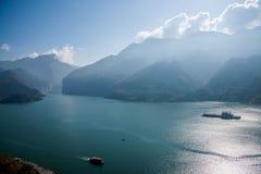 Águas do rio do Rio Yangtzé Three Gorges Qutangxia Fengjie Foto de Stock Royalty Free