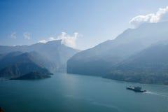 Águas do rio do Rio Yangtzé Three Gorges Qutangxia Fengjie Imagens de Stock Royalty Free