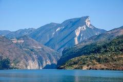 Águas do rio do Rio Yangtzé Three Gorges Qutangxia Fengjie Fotos de Stock