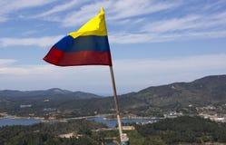 Guatape Antioquia, Colombia - colombiansk flagga på ³ n de Guatapé för El Peñà Arkivbilder