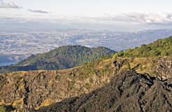 Guatemala City gesehen vom Pacaya Vulkan stockbilder