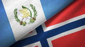 Guatemala en Noorwegen twee vlaggen textieldoek, stoffentextuur stock illustratie
