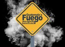 GuatemalaÂs fuego vulkan arkivfoton
