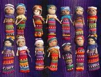 Guatemaltekischer Sorgen-Puppen-Hintergrund Stockfotografie