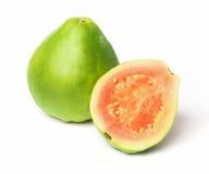 Guava på en vit bakgrund Royaltyfri Foto