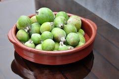 Guavas в блюде Стоковые Изображения