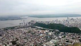 Guayaquil, Ecuador - 2019-06-26 - vista della finestra dell'aeroplano - decollando dall'aeroporto di Guayaquil stock footage