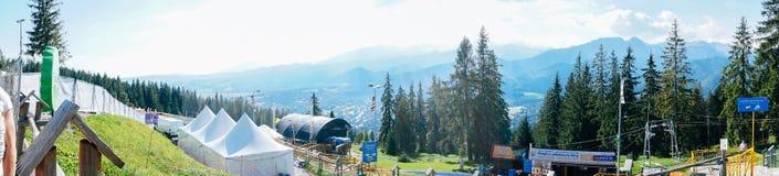 Gubalowka - Ansicht über Panorama von Tatras Lizenzfreie Stockfotos