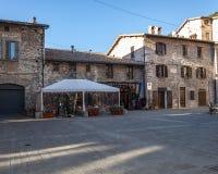 Gubbio, средневековый городок в Умбрии известной для красоты области и для событий соединенных к Сан Francesco, Италии стоковые фотографии rf