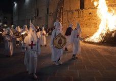 Gubbio Gubbio, Italië, de traditionele optocht van Vrijdag van Pasen-week Royalty-vrije Stock Foto's