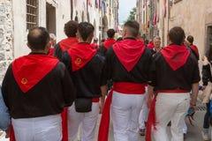 GUBBIO, ITALIEN - 15. MAI 2016 - Anhänger von Sant 'Antonio auf ihrer Weise zu Piazza Grande, den jährlichen Fest aufzupassen und lizenzfreie stockbilder