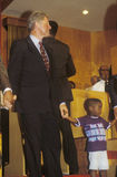 Gubernator Bill Clinton uczęszcza usługa przy Olivet kościół baptystów w Cleveland, Ohio podczas Clinton, krwi 1992 Buscapade Wie Obrazy Stock