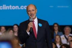Gubernator ofert Wilczy komentarze przy Clinton wiecem Fotografia Royalty Free