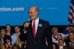 Gubernator ofert Wilczy komentarze przy Hillary Clinton wiecem Obraz Royalty Free