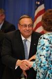 gubernator wręcza lepage Maine Paul chwianie Zdjęcia Royalty Free
