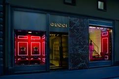 Gucci przechuje w Florencja, jeden luksusowy zakupy okręg w świacie Obraz Stock