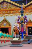 gud utanför tempelet Royaltyfri Foto