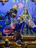 Gudar i Sri Krishna Balaram Mandir Temple av Vrindavan Arkivfoton