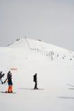 Gudauri Georgia - mars 6, 2017 Berg skidar semesterorten Gudauri Georgia - naturen och sportbakgrund royaltyfri fotografi