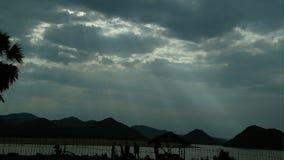 Gudstrålar från himmel Arkivbild