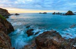 Gueirua plaża przy wieczór Hiszpanii asturii Zdjęcie Royalty Free