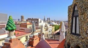 Guell slottterrass, Barcelona cityscape arkivbild