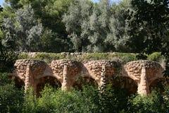 Guell'spark: acqueduc (Barcelona España) foto de archivo