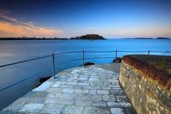 Guernsey-Ansicht über Schloss Kornett stockbild