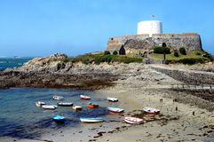 Guernsey fort Grey Rocquaine Bay Royaltyfri Fotografi