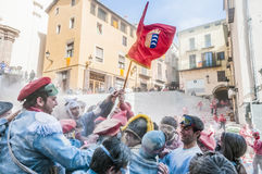Guerra da farinha em Berga, Espanha Fotos de Stock Royalty Free