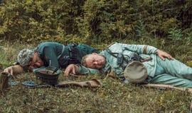 Guerra Mundial histórica de la reconstrucción Segunda Inspector alemán de los soldados Foto de archivo