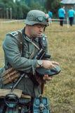 Guerra Mundial histórica de la reconstrucción Segunda Inspector alemán de los soldados Fotos de archivo libres de regalías