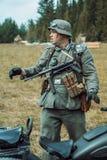 Guerra Mundial histórica de la reconstrucción Segunda Soldados alemanes y Fotos de archivo