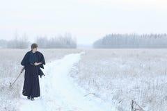 Guerreiro oriental das artes marciais no treinamento do inverno Fotos de Stock