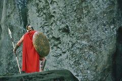Guerrero espartano en el bosque Imagen de archivo libre de regalías