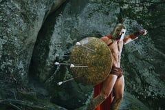 Guerrero espartano en el bosque Foto de archivo libre de regalías