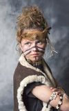 Guerrero tribal femenino joven Imagenes de archivo