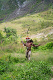 Guerreros de una tribu del Papuan Fotos de archivo libres de regalías