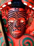 Guerriero maori che intaglia, Nuova Zelanda fotografia stock