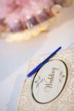 Guestbook und Stift Lizenzfreies Stockbild